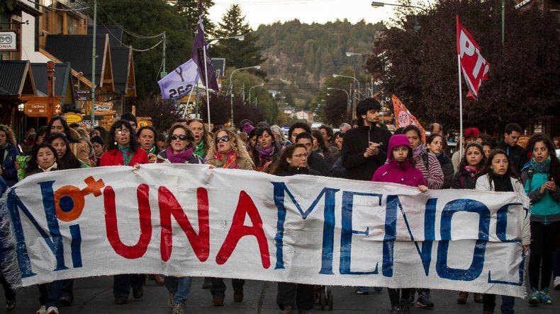 Una multitud marchó hacia el Centro Cívico por Micaela Bravo