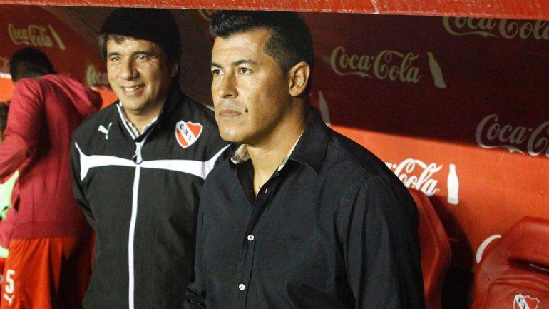 Almirón en su último partido como entrenador de Independiente.