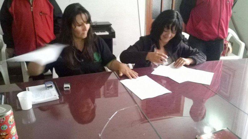 El acta acuerdo lo firmó el Ejecutivo Municipal y los cuatro gremios.