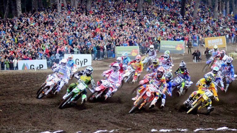 Una espectacular escena de la carrera disputada la temporada pasada en Villa La Angostura