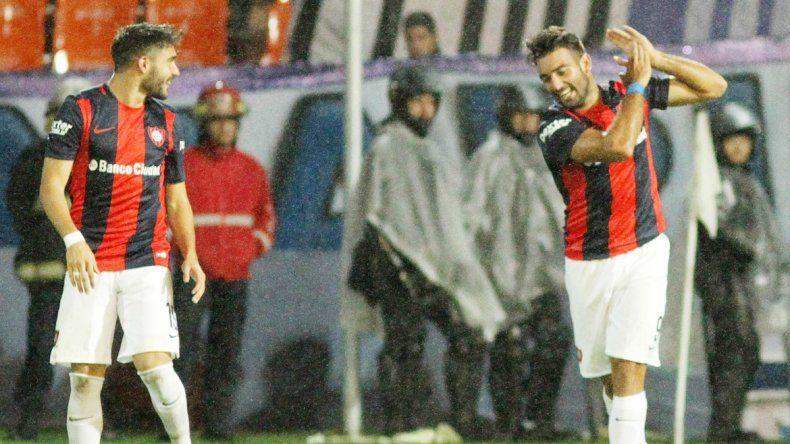 El goleador abrió la cuenta para darle la victoria al equipo de Guede.