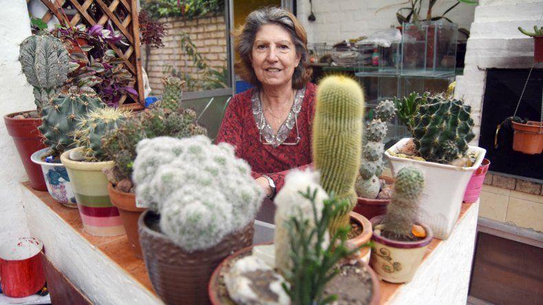 Amparo encontró su gran pasión en la colección de cactus. Juan
