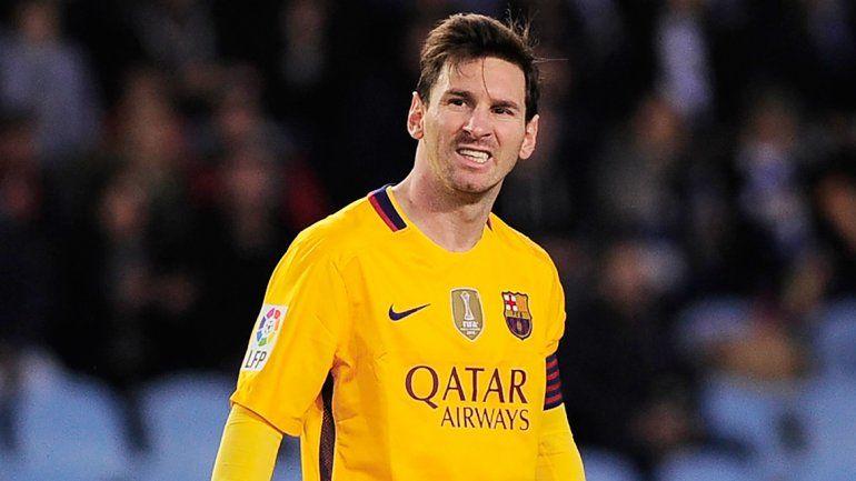 La maldición de los 500. Messi ahora perdió el duelo con el argentino Rulli.