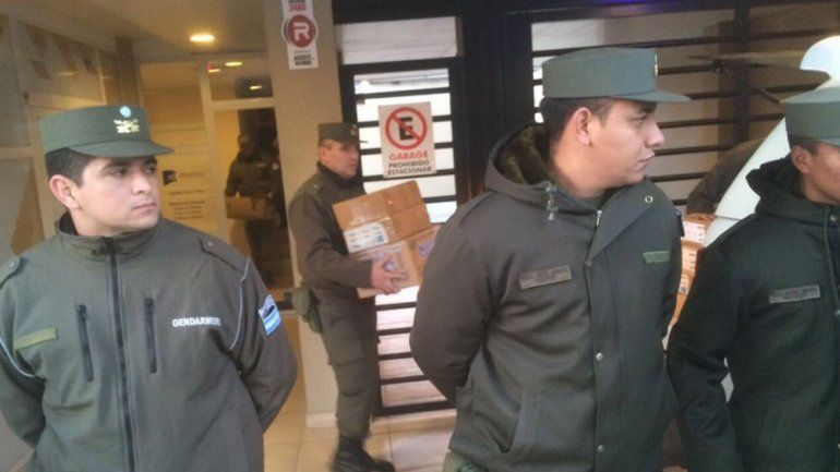 Culminó el allanamiento en las oficinas de Báez