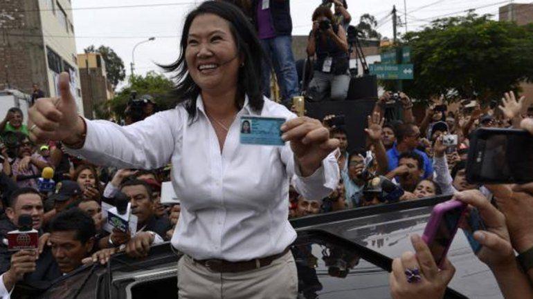 Fujimori va a la segunda vuelta pero se ignora su rival