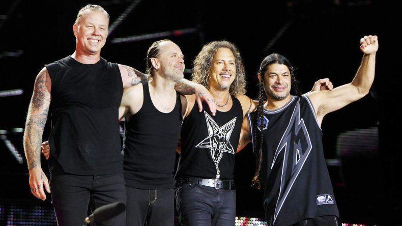 Fue el baterista Lars Ulrich quien hizo el gran anuncio.