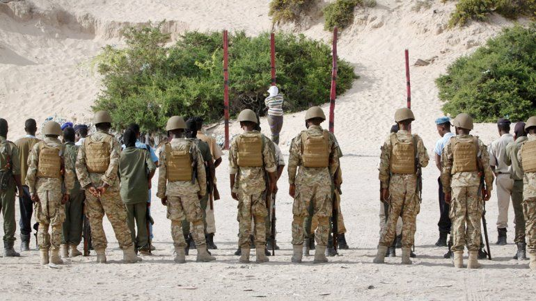 Una patrulla en Somalia fusiló a un miembro de Al Qaeda que había matado a cinco periodistas.