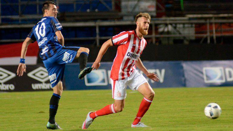 Estudiantes se impuso ante Atlético Tucumán en La Plata.