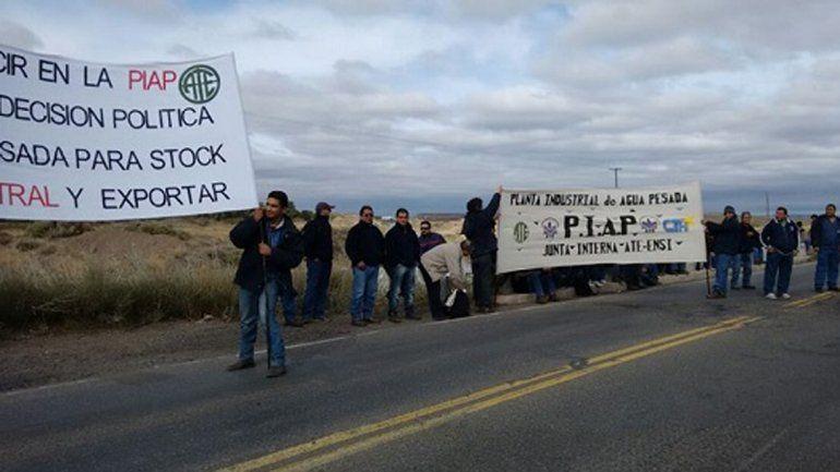 Trabajadores de la PIAP llevaron su reclamo a la vera de la ruta