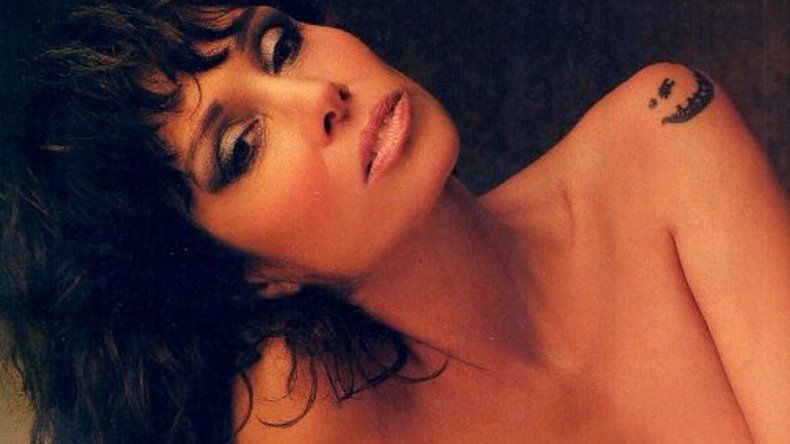 La cantautora había realizado una producción de fotos muy hot luego de anunciar su embarazo.