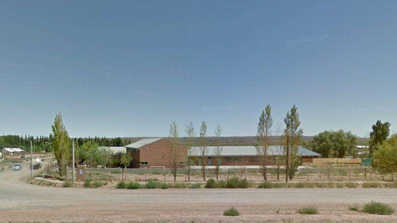 Una escuela de Añelo tiene un solo portero para 400 estudiantes
