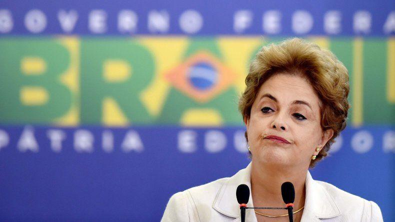 Dilma, cada vez más tambaleante y con menos aliados