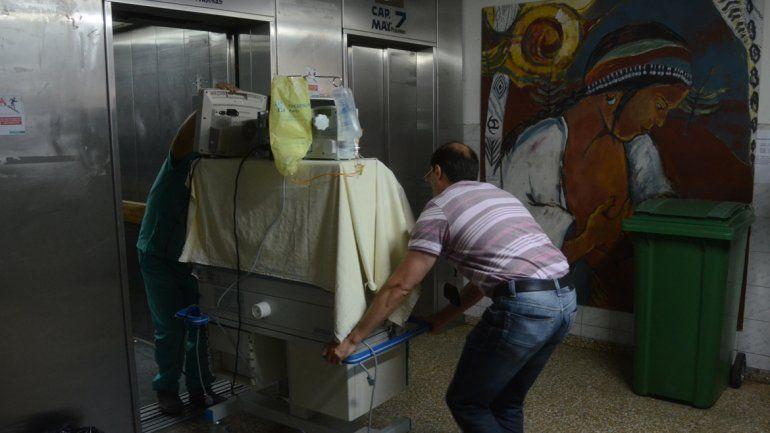 Rebalsaron las cloacas en el área de Neonatología del Castro Rendón