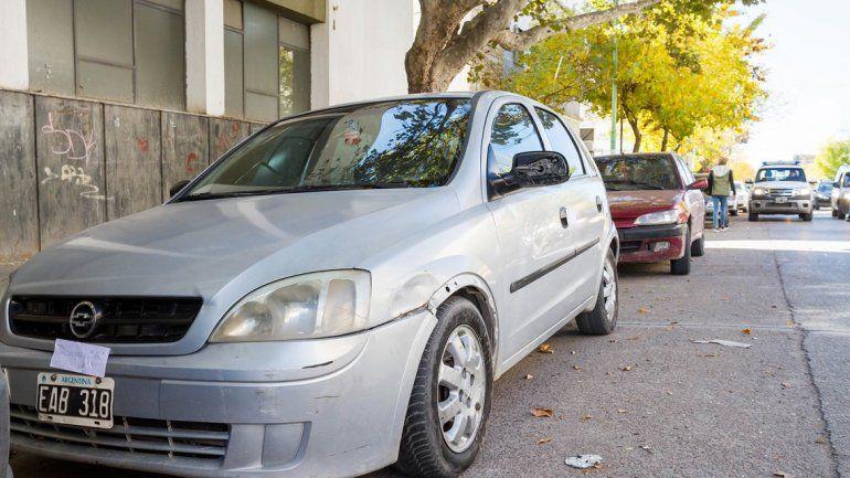 El Chevrolet Corsa que manejaba el hombre al momento de ser detenido.