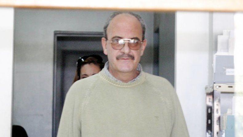 El ginecólogo Carlos Anzaldo está en prisión por abusar de adolescentes.