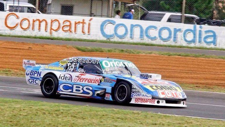 Rossi ganó la carrera y Camilo quedó en el puesto 21