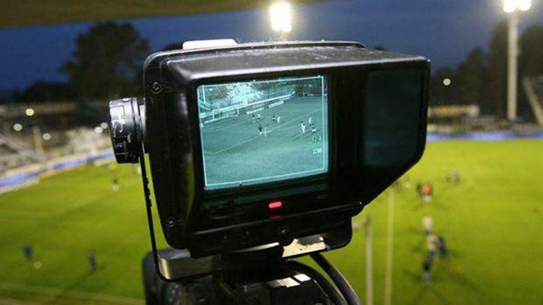 Una semana de definiciones en torno al negocio de la TV en el fútbol. Millones en danza.