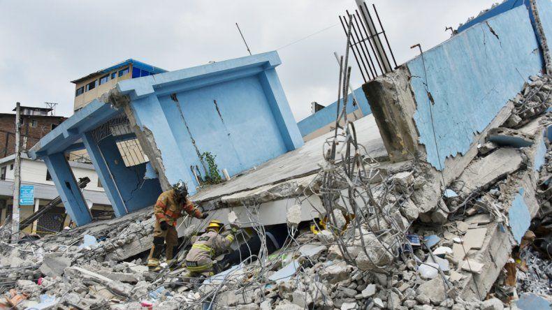 El sismo generó un caos y el derrumbe de dos paredes de un penal que permitieron la fuga de los reclusos.