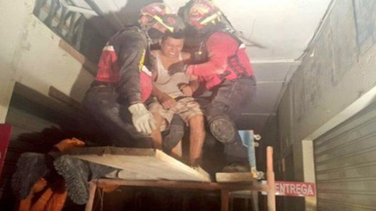 El video de un rescate conmueve a través de las redes