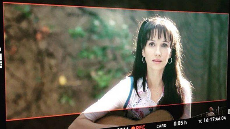 Así se ve Natalia Oreiro en la piel de Gilda