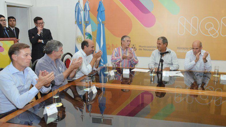El intendente y sus colaboradores