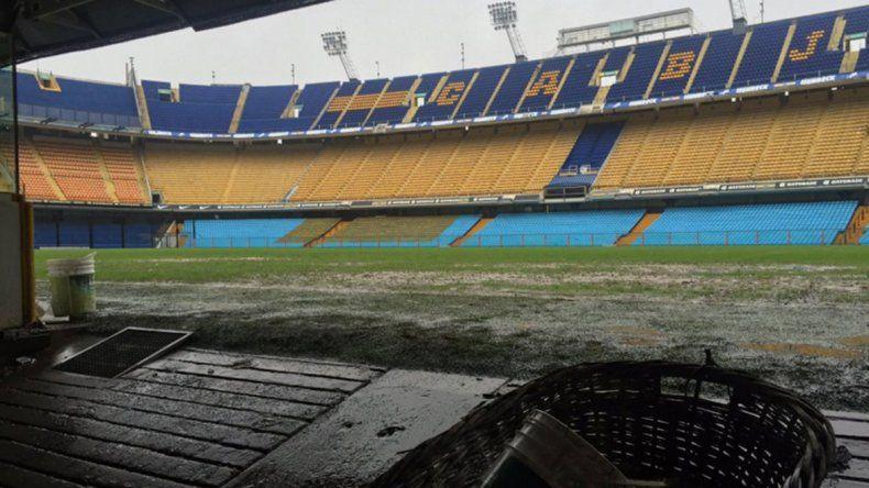 La Bombonera en mal estado tras las lluvias.