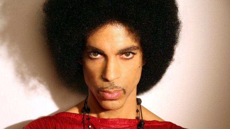 Prince en su casa de Minnesota a los 57 años.