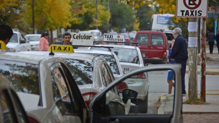 Taxistas discutieron por el aumento. No todos estaban de acuerdo.