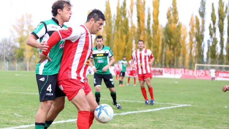 El Rojo clasificó tras empatar con Villa Mitre y Cipo goleó a Roca