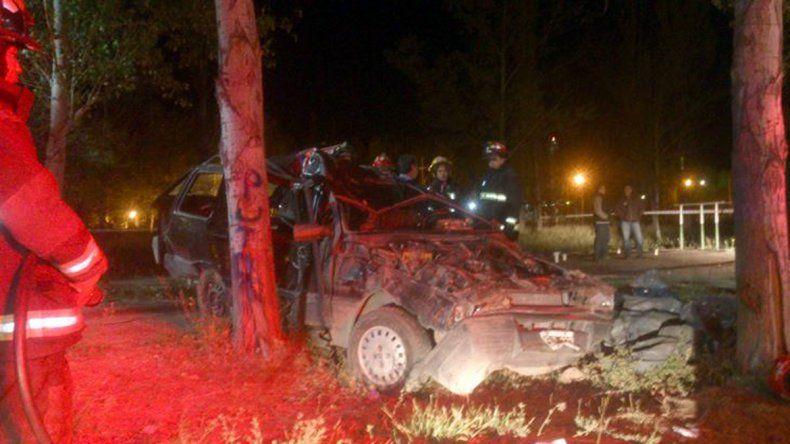 Dos hombres murieron tras volcar con sus autos: uno camino a Rincón y el otro en Huincul