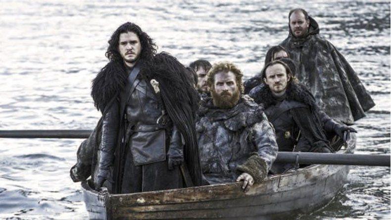 Finalmente los fans descubrieron que Jon Snow falleció.