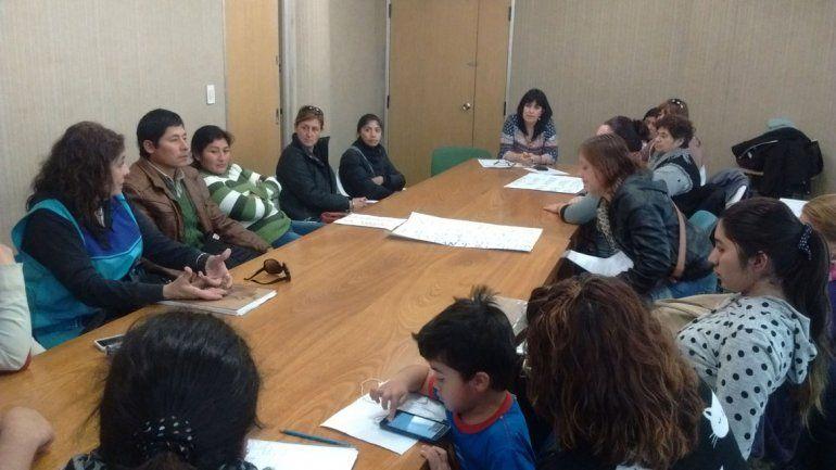 Cincuenta chicos de 4 años están sin escolarizar y los padres exigen soluciones