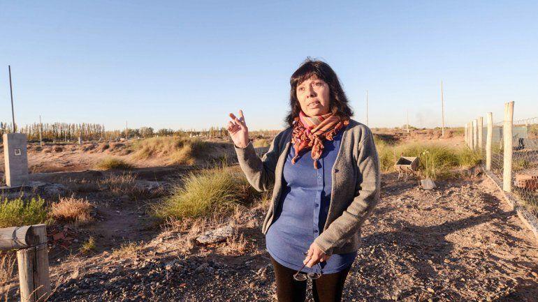 La casa de Patricia Teves y su marido quedó al lado de médanos de arena.