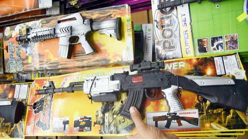 Quieren que los niños no encuentren en los juguetes un incentivo violento.