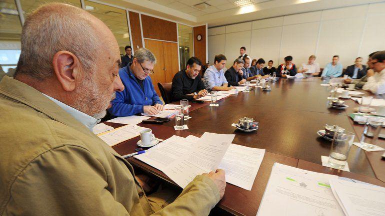 Piden que en Neuquén se pague menos de luz y gas