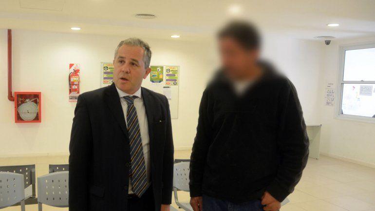 El acusado se entregó el martes en la fiscalía con su abogado.