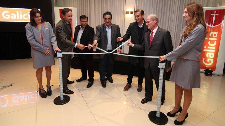 El banco galicia inaugur sucursales en a elo y cutral co for Buscador de sucursales banco galicia