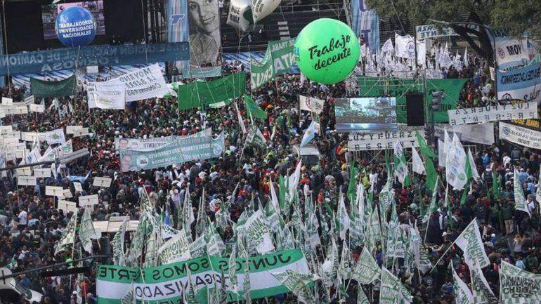 Masivo reclamo de los gremios a Nación:Quieren poner en práctica la precarización laboral