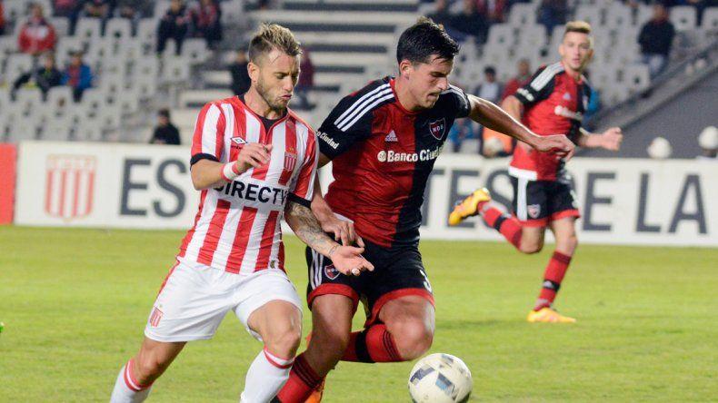 El León platense no pudo con Newells en el Estadio Único.