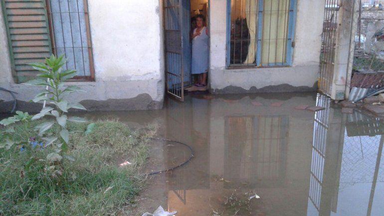 La casa de una vecina en calle Avenida del Trabajador casi Cayastá es la más afectada.