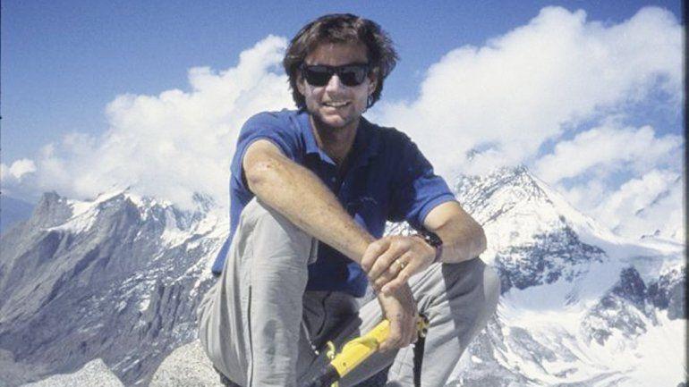 El famoso montañista Alex Lowe y su camarógrafo David Bridges fueron sepultados por una avalancha en 1999.