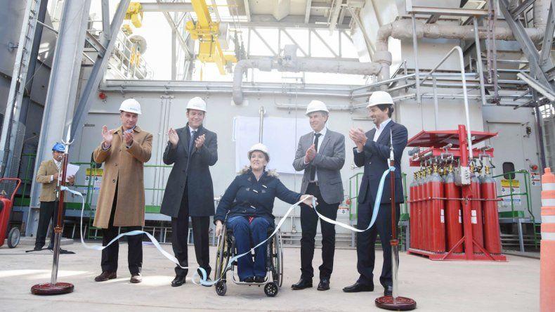 Michetti visitó la provincia para inaugurar la turbina María Elena