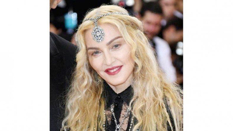 Madonna en la alfombra roja de la gala Met