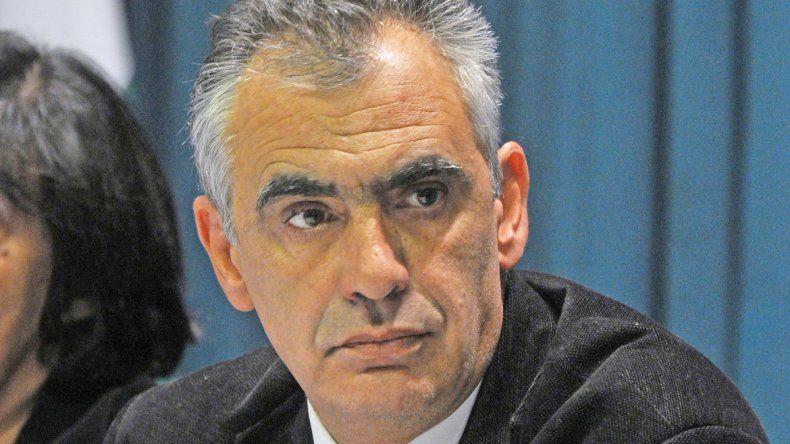 Crisafulli volvió de la reunión con Macri con promesas a medias.