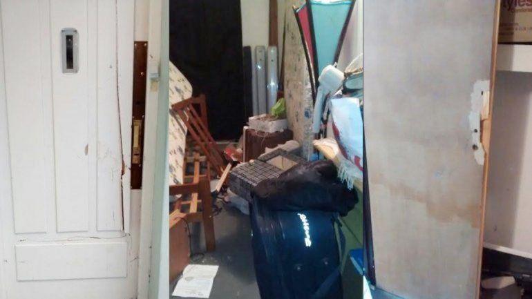 En la casa de Jujuy al 200 quedó todo destruido tras el allanamiento.
