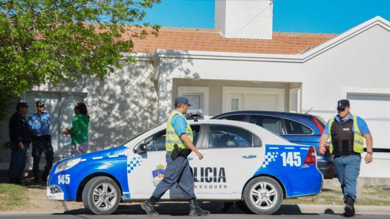 Policias.