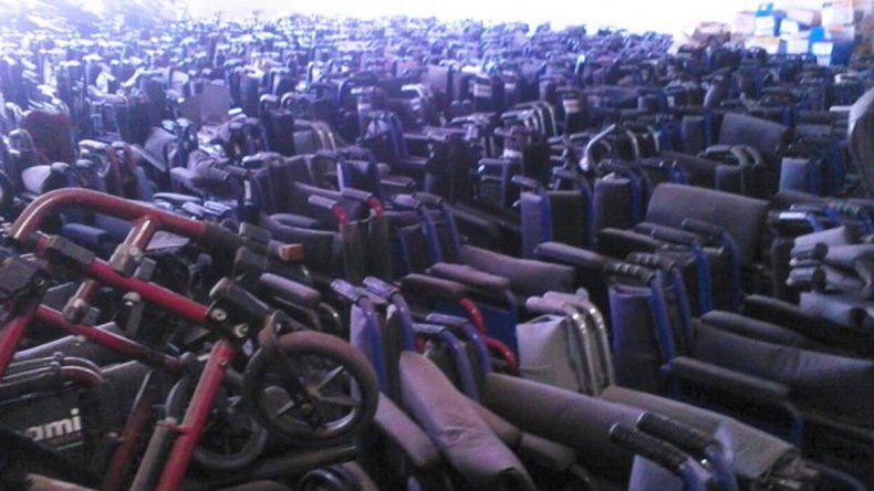 Encontraron más de 16 mil sillas de ruedas abandonadas en PAMI