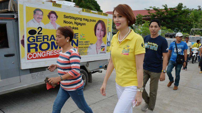 Geraldine Roman obtendría el lunes una banca en Filipinas.