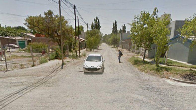 Los motochorros huyeron del lugar por los gritos de la adolescente.