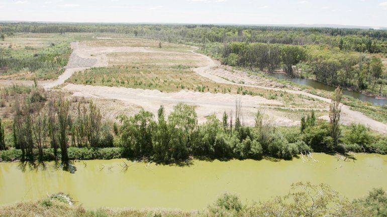 El 9 de febrero de 2015 ya empezaban con las obras para tapar la laguna.